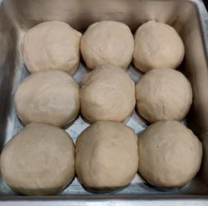 how to place pav buns in the baking tray