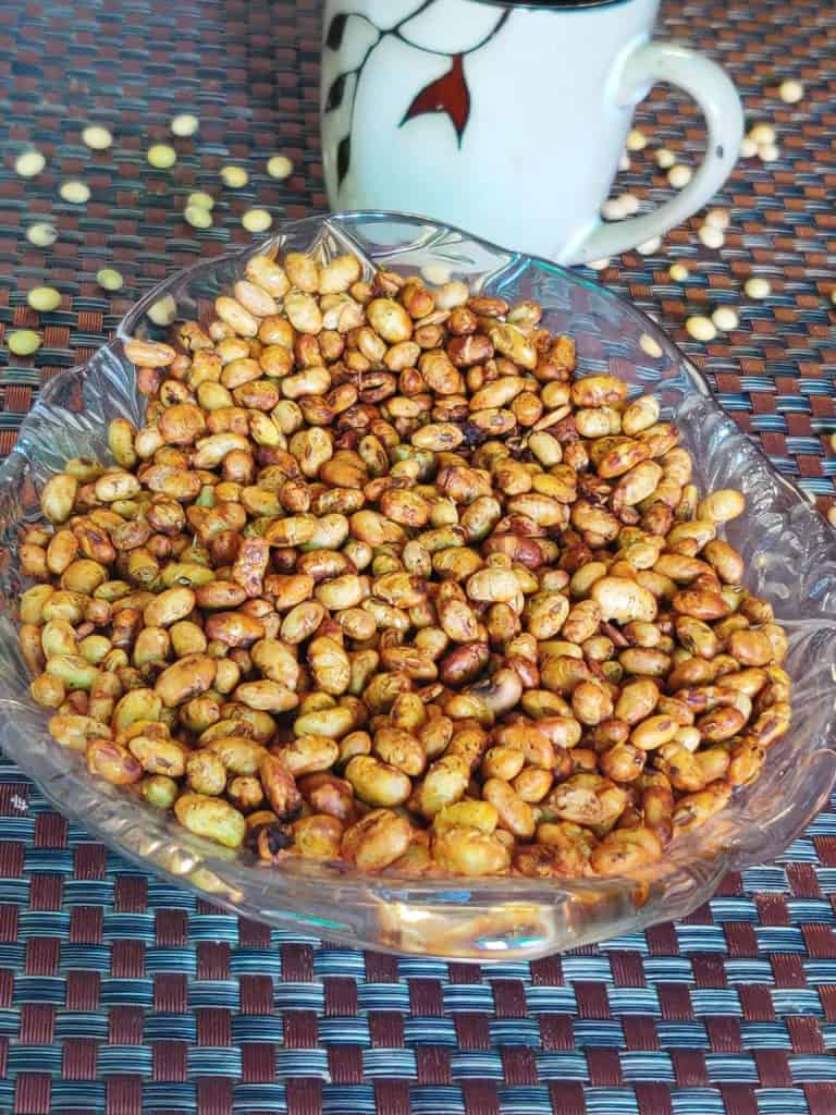 Roasted Soybean served with tea