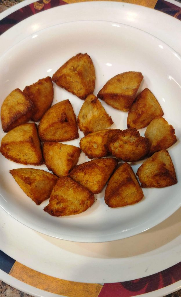 fried idlis in a plate