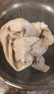 Tie the soaked seeds in a muslin cloth